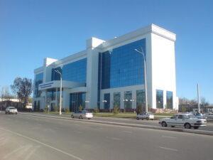 Ziyolilar_street,_Inha_University